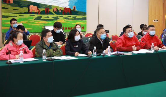张伯礼院士与美国中医师交流新冠肺炎防治图片