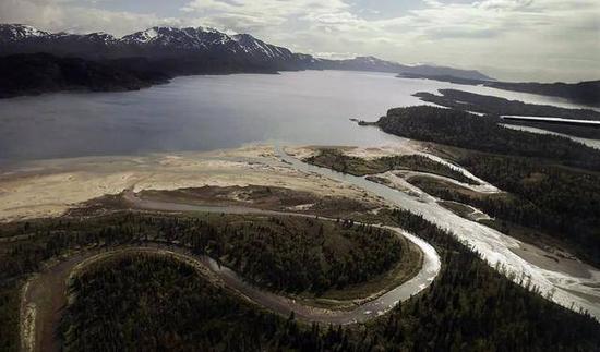 (图说:阿拉斯加的布里斯托尔湾,也是拟建的矿区所在地图源/纽约时报)