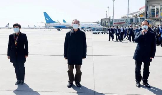 山东省领导带队赴英,省委书记刘家义机场送行图片