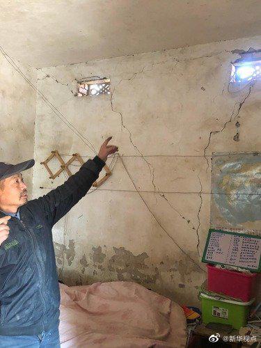 野蛮矿企炸裂民房还挖人祖坟 记者采访被跟踪威胁