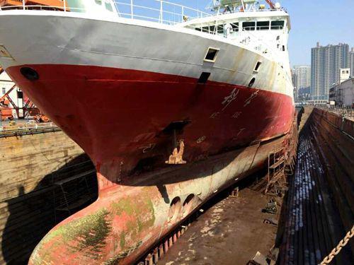 ▲ 水线以下部位平时很难进行彻底的修理,非得要趁着坞修才能大搞