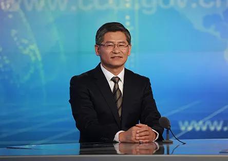 """主持人:那么如何""""构建集中统一、权威高效的中国特色国家监察体制""""呢?"""