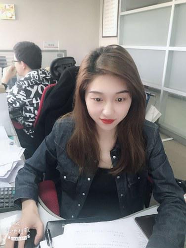 夏雨薇如愿入职华工科技( 夏程芳摄)