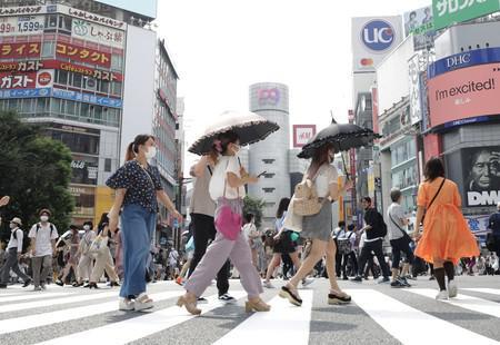 资料图:东京街头(时事通讯社)