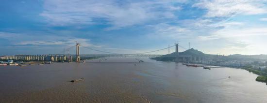 悬索桥也能跑高铁?这座中国大桥填补世界空白!图片