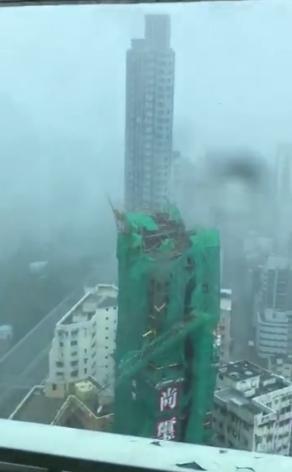台风山竹致深圳停水停电塔吊倒塌门砸死人?假的