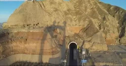 甘肃省折达公路考勒隧道工程