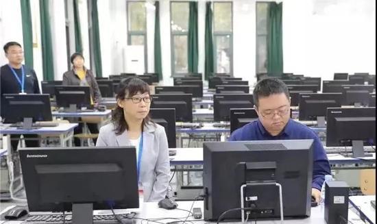 天津首位通过法考的盲人王慧:与黑暗抗争二十年图片