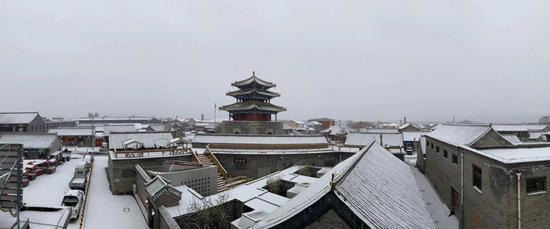 北京延庆普降小雪 最大降水出现在佛爷顶图片