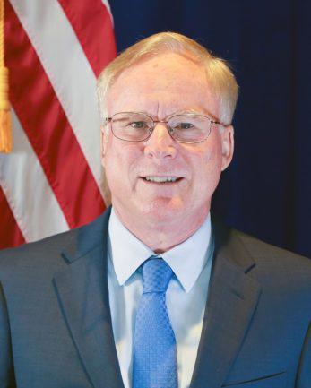 美国驻华大使举行任内最后一场记者会 其副手将代理大使职务图片