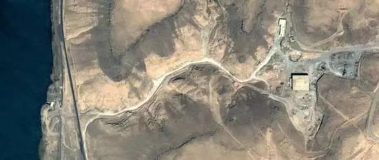 图为遭受以色列攻击前的叙利亚核反应堆。图源:谷歌地图,澎湃新闻发
