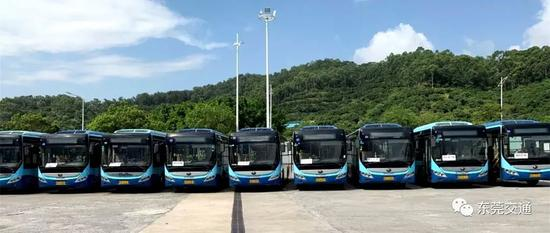 因防疫需要,东莞多条公交线路临时调整,取消停靠这三个区域