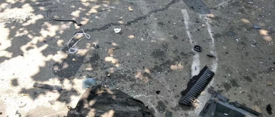 车祸现场 / 张钰拍摄
