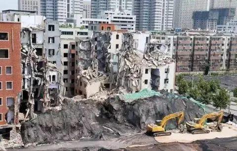 ▲某城中村拆迁现场。 图片来源:新京报