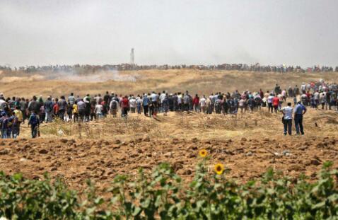 14日,巴以双方发生剧烈冲突,致巴方37人死亡。(图源:推特)