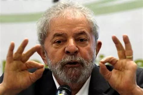巴西政坛师徒:她蹲完监狱当总统他当完总统进监