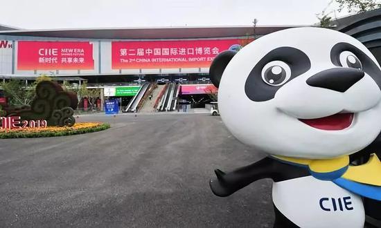 k7最可靠网址-42匹纯血宝马交付中国买主 运输成本每匹10万元