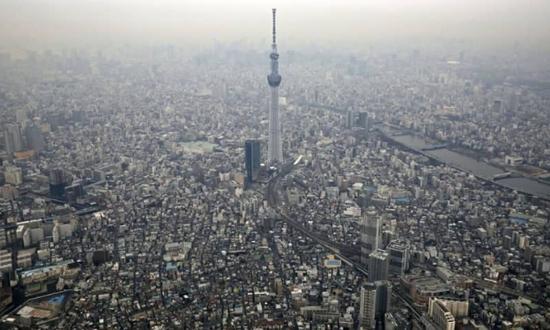 越来越多的日本人涌入东京(共同社)