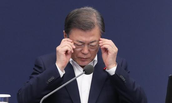 韩国总统文在寅再次向国民致歉