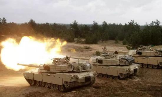 ▲资料图片:美军装甲部队正在欧洲进行演习。