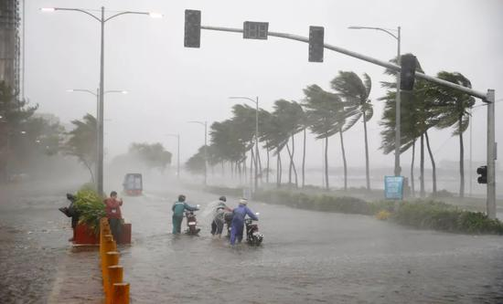 山竹带来的暴风骤雨(图片来源:东方IC)