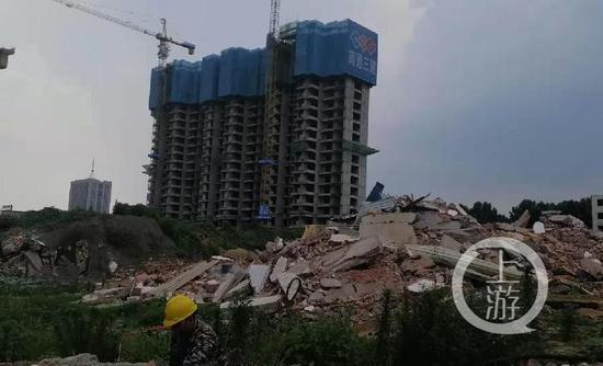 ▲王恩忠的房屋已成废墟。摄影/上游新闻记者 沈度