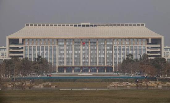 位於城市副中心行政辦公區的中共北京市委辦公大樓。圖片來源:中國新聞圖片網