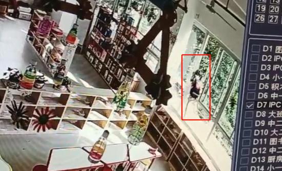 4岁女童被锁幼儿园二楼后坠楼重伤,教育局:园方有重大责任