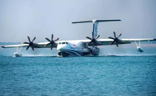 这架两栖飞机