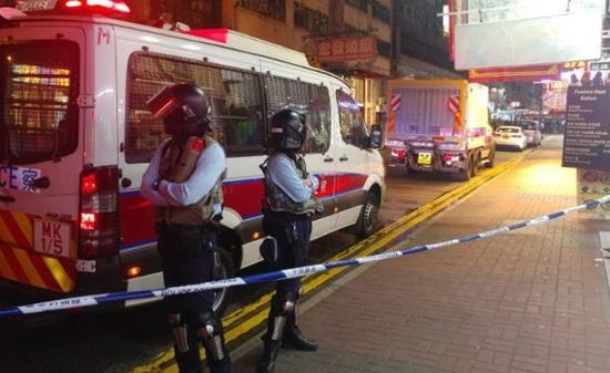 香港旺角闹市发现疑似爆炸物 军火专家到场处理图片