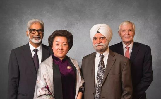 赵宏(左二)、巴提亚(右二)、格雷厄姆(右一)为现任三名法官, 图源:WTO上诉机构2018年报告