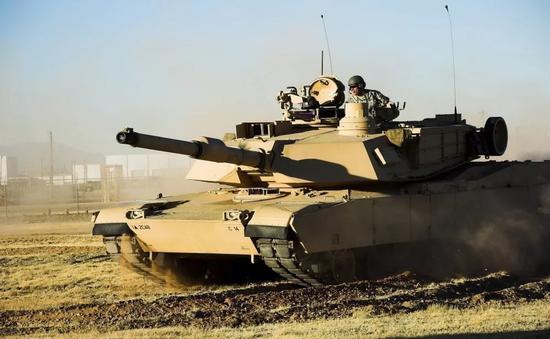 """▲美军""""艾布拉姆斯""""主战坦克"""