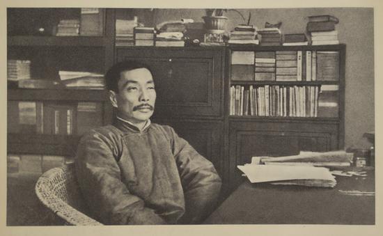 1932年起,赵家璧开始与鲁迅交往,图为1928年良友公司所摄的鲁迅照片。