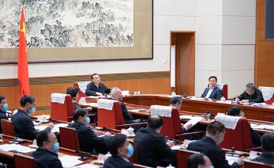 形式特别的座谈会,国务院今年开了三次图片