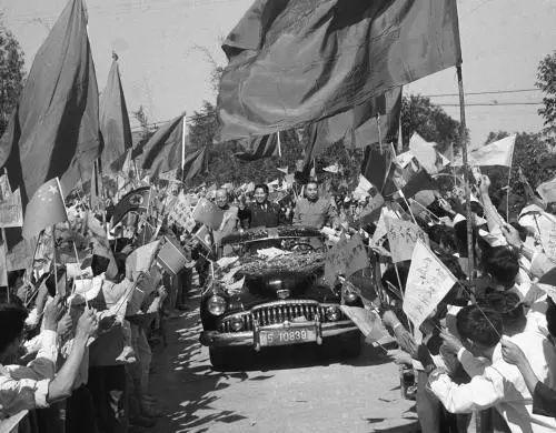 ▲資料圖片:1958年11月27日,朝鮮政府代表團離開武漢到達廣州。(新華社)