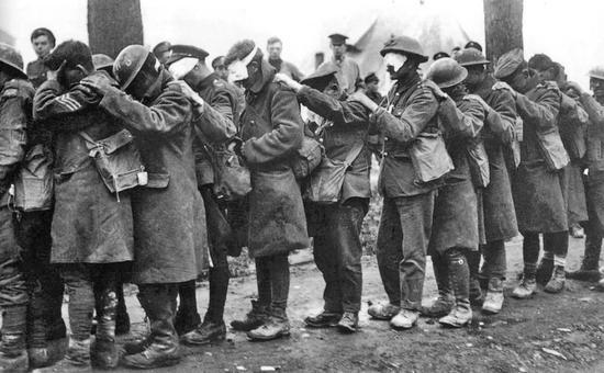 1918年4月10日遭毒氣襲擊後的英軍