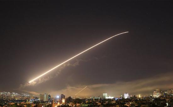 当地时间13日,叙利亚首都大马士革传来数次爆炸声