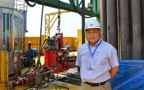2014年8月8日,黄大年在松辽盆地大陆科学钻探2号井