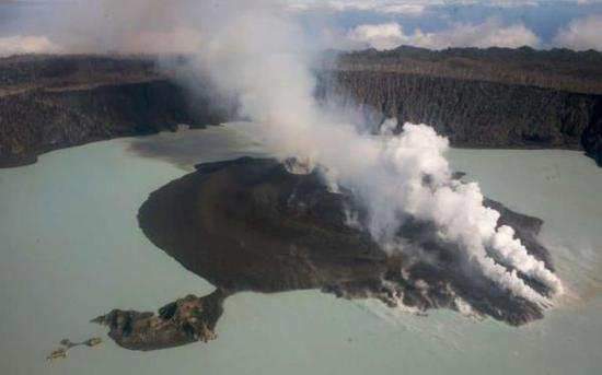 活火山迫使1.1万瓦努阿图人再度撤离