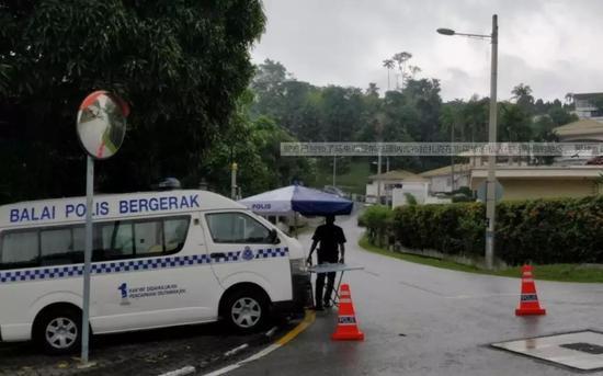 不过警方拒绝透露此次搜寻行动是否找到了相关文件。