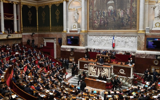 法国国民议会举行会议。(图源:法新社)