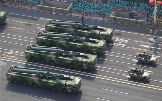 东风-17常规弹道导弹