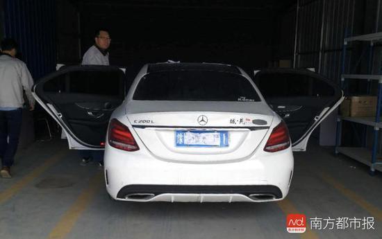 4月27日,涉事奔驰车接受了北京中机车辆司法鉴定中心检测。