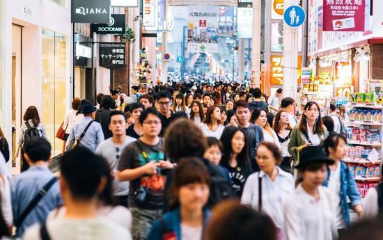 别被洗脑了,这才是99%中国人的工资真相图片