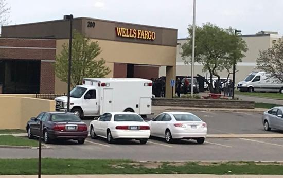 美国一银行发生人质劫持事件 警方嫌犯对峙超8小时