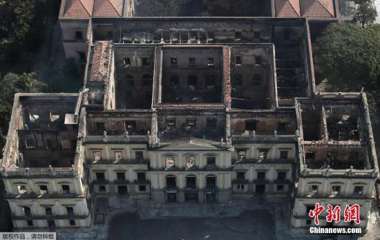 当地时间2018-10-19,巴西里约热内卢,发生大火后的巴西国家博物馆。