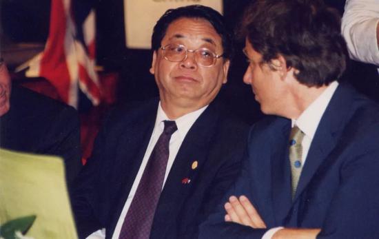 1997年7月1日这天 亿万中国人沸腾了|英国首相