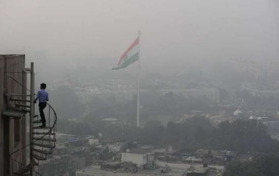 印度首都空气质量达本季最差 专家:恐加剧疫情