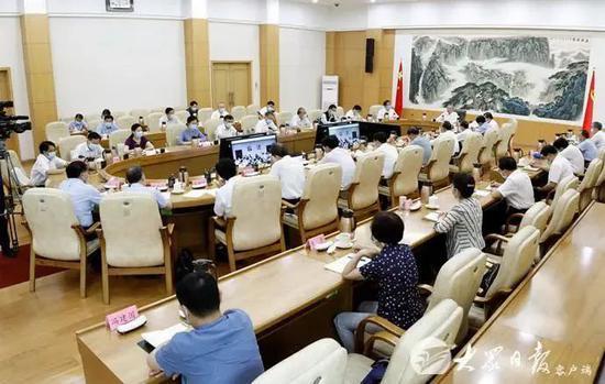 合村并居引争议 山东省委书记假期开会:群众意见较大的,先一律暂停!图片