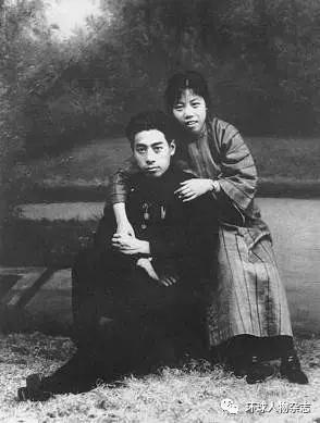 1926年,邓颖超同周恩来在汕头。